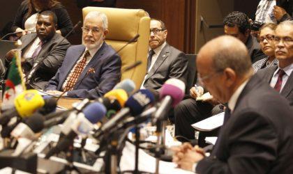 Pourquoi l'Algérie boude une rencontre à Londres sur la crise libyenne
