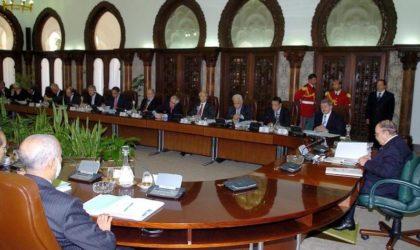 Le Conseil des ministres adopte la feuille de route du gouvernement Ouyahia