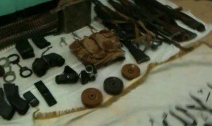 Bordj Badji Mokhtar: l'ANP saisit des armes et des munitions