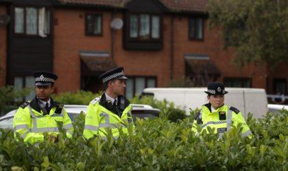 Grande-Bretagne: un homme interpellé après avoir pris en otage deux employés d'un bowling