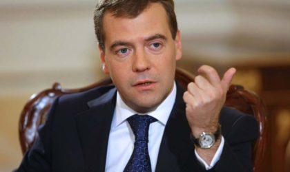 Selon les médias russes : Bouteflika recevra le Premier ministre Medvedev