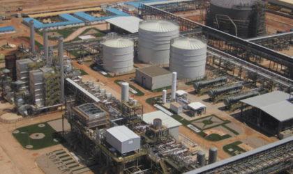 Ouyahia: «La dépréciation du dinar alourdit la facture de l'importation de carburants»