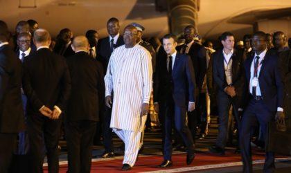 Au Burkina Faso, le convoi de Macron aurait été caillassé