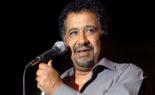 Cheb Khaled chante «Vive le roi !»