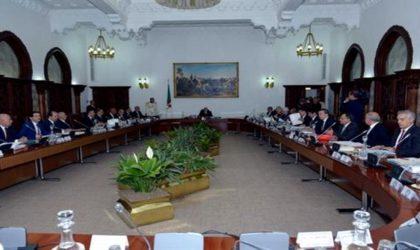 Le Conseil des ministres reporté à mercredi 22 novembre