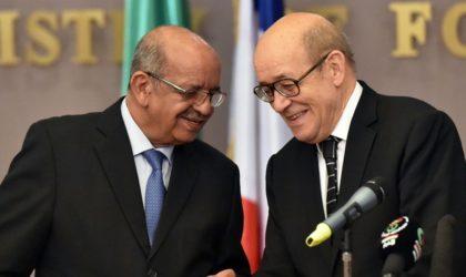 Algérie-France: signature de trois accords de partenariat économique
