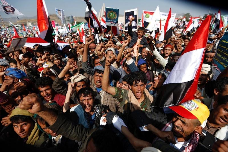 Les Houthis ont tiré un missile qui a atteint sa cible
