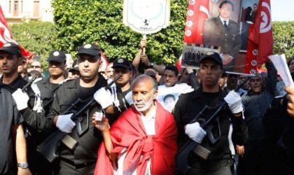 Tunisie : des centaines de policiers manifestent pour leur «protection»