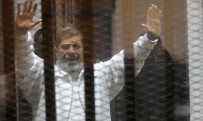 L'ancien président Mohamed Morsi condamné à 3 ans de prison pour «outrage à la justice»