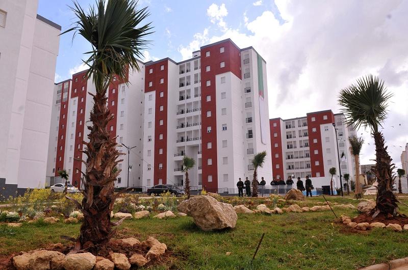 Une convention de 330 milliards de dinars a été signée entre le ministère de l'Habitat, le CPA, l'AADL et la CNL pour le financement de 120 000 logements