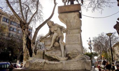 Contribution – Le citoyen gracié et la nudité de la femme d'argile