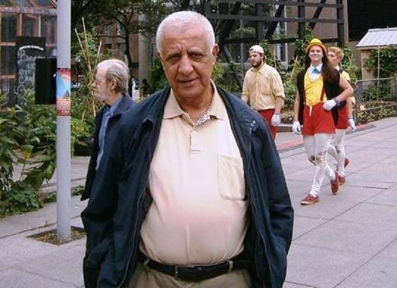 Ahmed Achour est décédé jeudi 14 décembre 2017 à l'hôpital Mustapha-Pacha à l'âge de 68 ans des suites d'une crise cardiaque