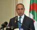 Le président Bouteflika décerne à l'artiste égyptien Mohamed Fawzi la médaille «Ahid»