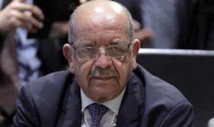 Messahel se réunit à Paris avec l'ambassadeur et les chefs de poste consulaire
