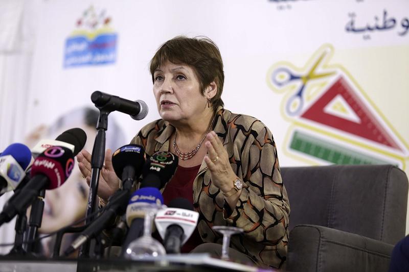 La ministre de l'Education nationale, Nouria Benghebrit, a affirmé lundi à Alger que les coefficients des matières n'ont subi aucun changement