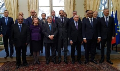 Ahmed Ouyahia annonce plusieurs mesures en faveur de la communauté nationale en France