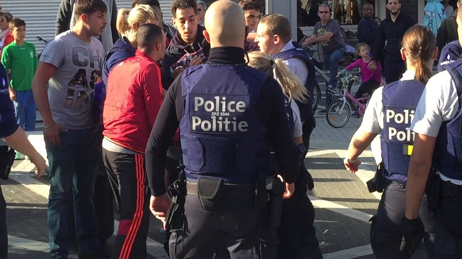 Bagarre entre policiers et Marocains à Molenbeek (Bruxelles)