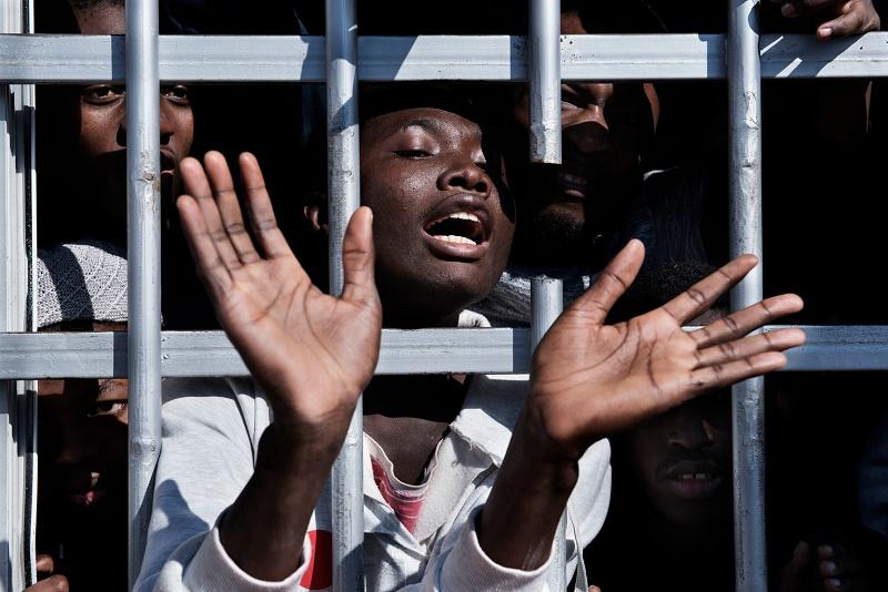 Selon l'OIM, 15 000 migrants croupissent dans des centres de rétention contrôlés par le GNA et ses milices