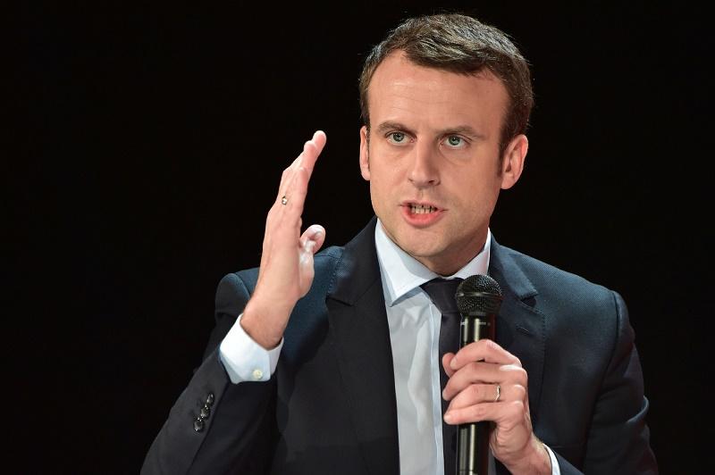 Macron s'adressant à la jeunesse algérienne