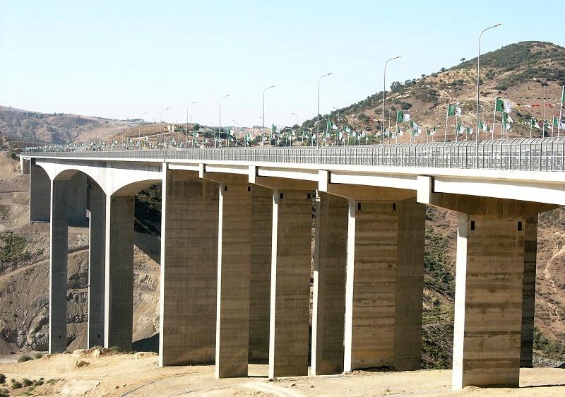 Un mémorandum d'entente a été signé dans le domaine des infrastructures (routes et ponts)