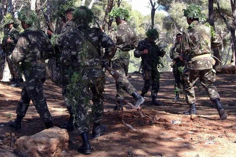 A In Guezzam, un détachement de l'ANP a saisi une kalachnikov, des munitions et un véhicule tout-terrain