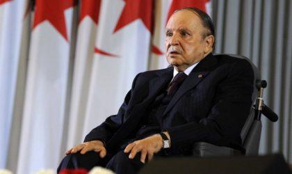 Bouteflika appelle les Algériens à contribuer au mouvement démocratique