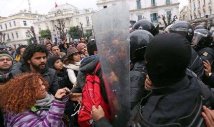 Etrange silence des autorités algériennes sur les émeutes en Tunisie