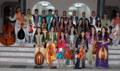 Concert de musique classique algérienne à Riadh El-Feth avec El-Djenadia