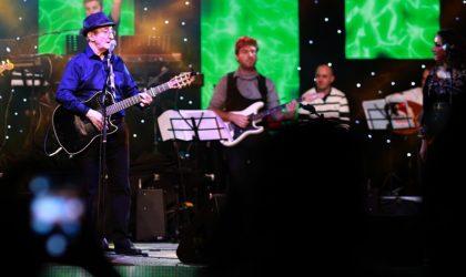 Le chanteur Idir entamera sa grande tournée nationale le 19 janvier