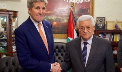 John Kerry à Mahmoud Abbas : «Restez fort et ne cédez pas face à Trump !»