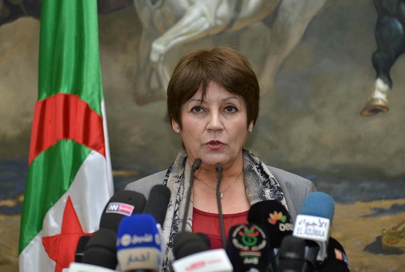 Mme Benghebrit est la présidente de la Commission nationale pour l'Unesco