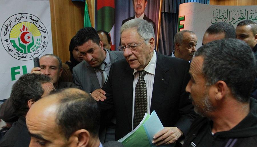 Ould Abbès, Ouyahia