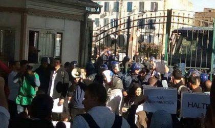 Imposante marche des médecins-résidents à Oran