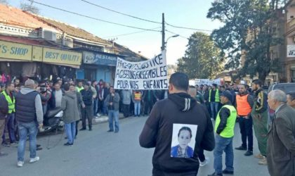 Imposante marche à Sidi Aïch pour dire «non» à la violence faite aux enfants