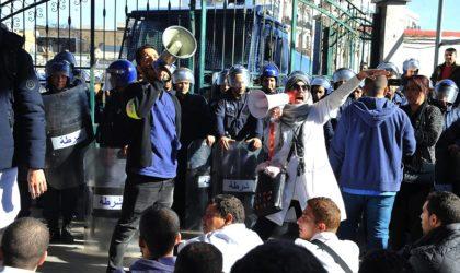 Sit-in des médecins résidents au CHU Mustapha-Pacha