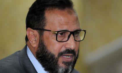 Aribi insulte Nouria Benghebrit et qualifie Al-Sissi d'«agent Al-Khassissi»