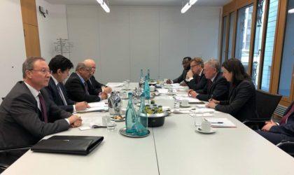 Abdelkader Messahel s'entretient avec Horst Köhler à Berlin