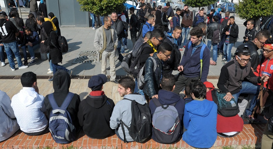 lycéens Alger sit-in enseignants révoqués