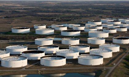 Les cours du pétrole affaiblis par un dollar fort