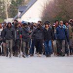 La France prend sur elle de perpétuer la politique d'ingérence
