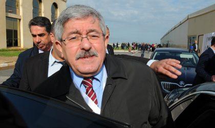 Le remaniement ministériel qui conforte Ahmed Ouyahia