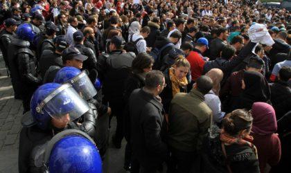 Des dizaines de médecins résidents arrêtés par la police