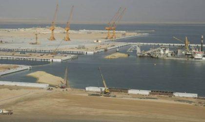 Le port centre d'El-Hamdania se renforce par trois zones industrielles et une ligne ferroviaire