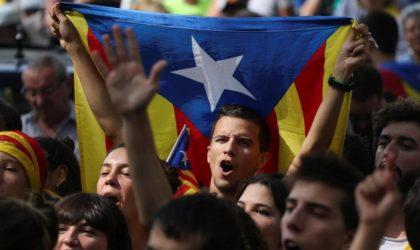 Des milliers de manifestants à Barcelone pour dénoncer l'arrestation de Puigdemont