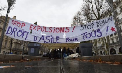 La France expulse à tour de bras et détourne les regards vers l'Algérie