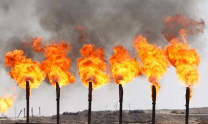 Les stocks américains pèsent sur les prix du pétrole