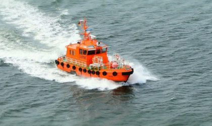 1 mort et 14 disparus après le naufrage d'une drague au large de la Malaisie