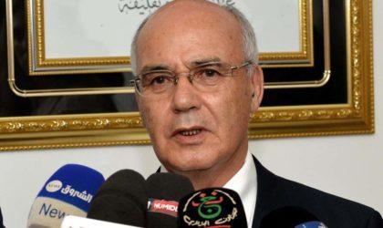 Yousfi répartit les missions des directions générales du développement industriel et de la PME