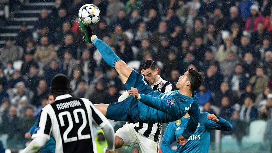 Ronaldo bicyclette Juve