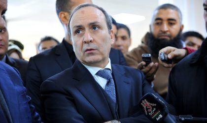 Les résidents dentistes d'Alger suspendent leur grève: Hasbellaoui au charbon